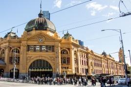Flinders Street Station. Sozusagen der Hauptbahnhof von Melbourne.