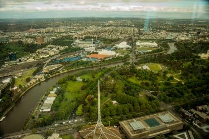 Aussicht vom Eureka-Tower auf die Sport-Arenen. Die kleinen blauen Dinger sind die Tennis-Plätze auf denen die Australien-Open gespielt werden.