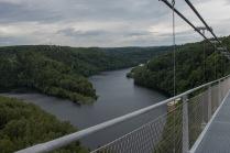 Blick von der Hängebrücke auf die Wendefurther Talsperre