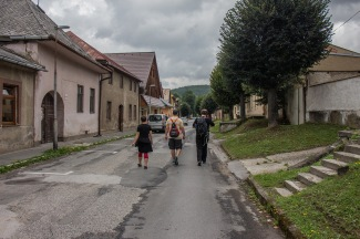 Die Gang auf den Straßen von Kezmarok